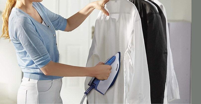 Comment repasser une chemise avec une centrale vapeur ?
